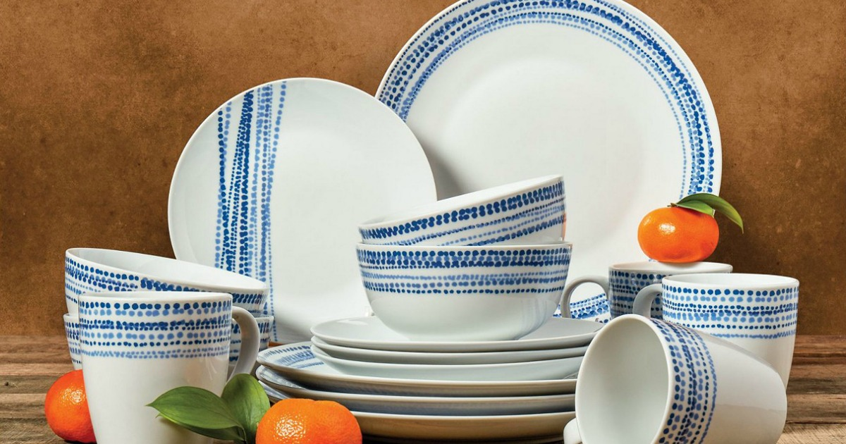blue and white dishes interspersed with oranges