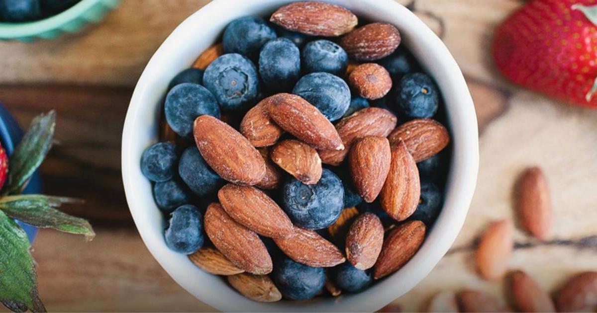 Blue Diamond Fruit & Nut Almonds