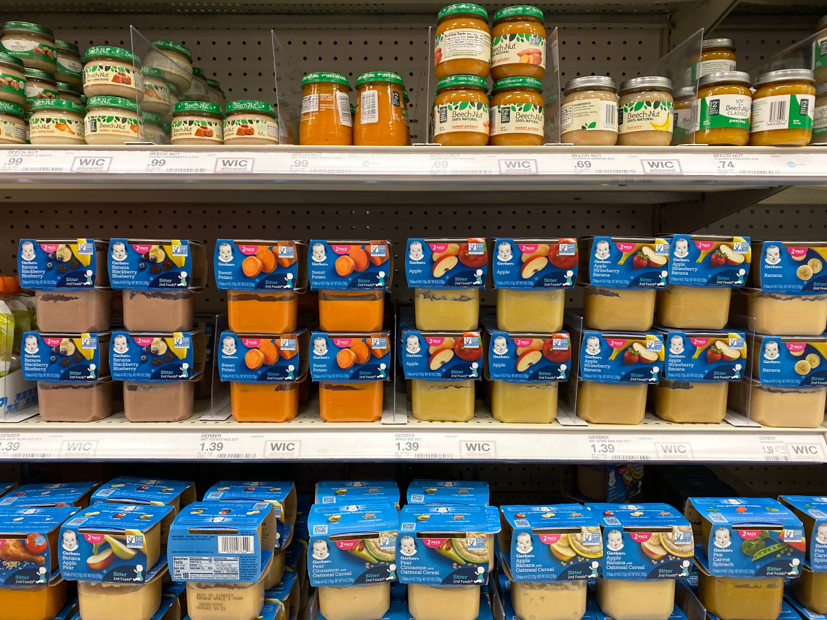 gerber puree 2-packs on store shelf