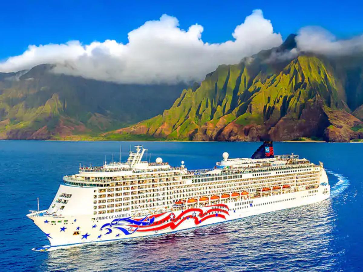 cruise ship near Hawaiian Island