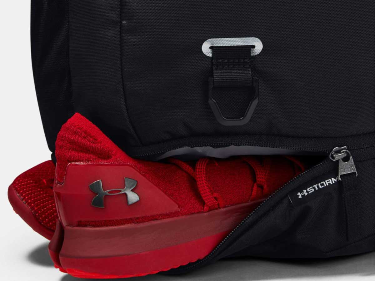 shoe compartment of Under Armour Hustle Backpack 4.0
