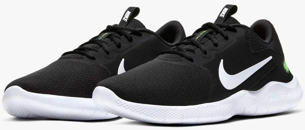 black pair of Nike Men's Flex Experience Run 9 Running Shoe