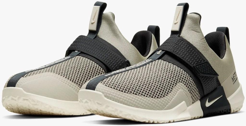 stone colored Nike Men's Metcon Sport Training Shoe