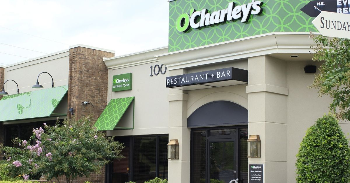outside view of O'Charley's restaurant