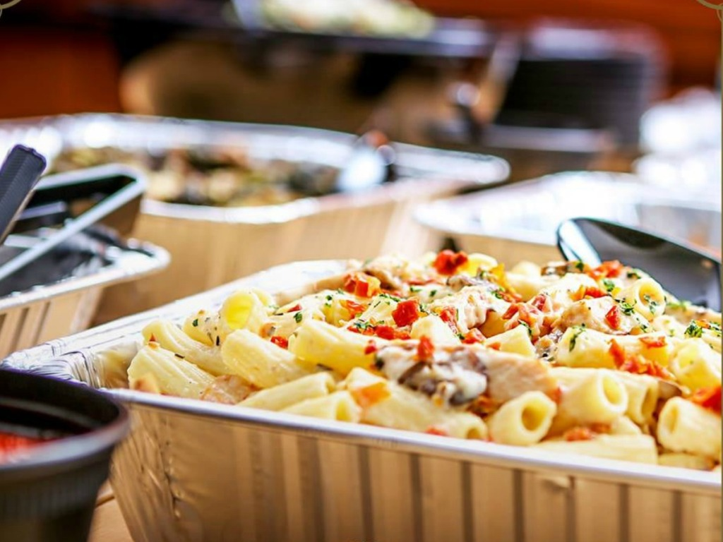 Romano's Macaroni Grill To Go Containers with pasta