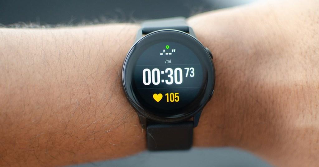 Samsung Galaxy Watch Active Black on wrist