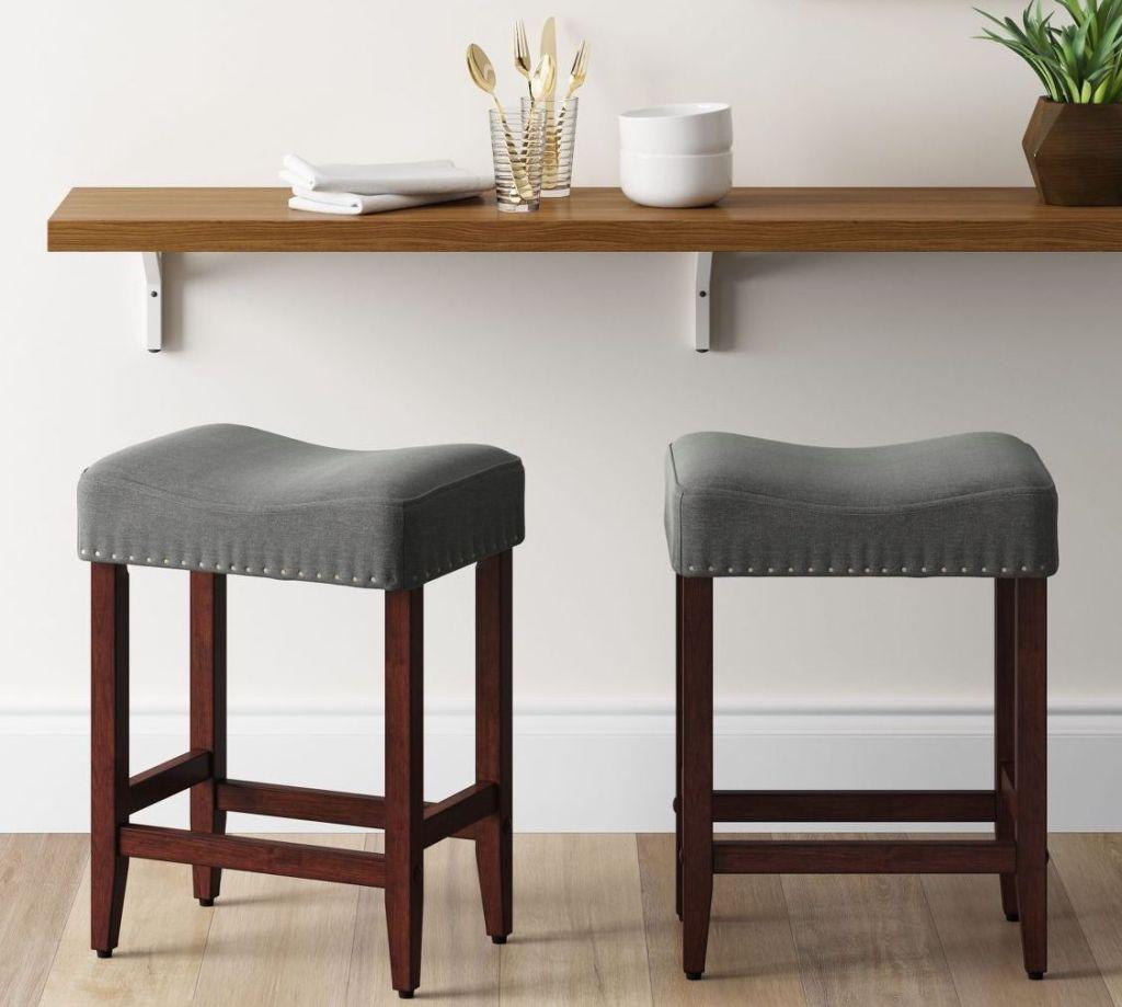 stools under kitchen counter