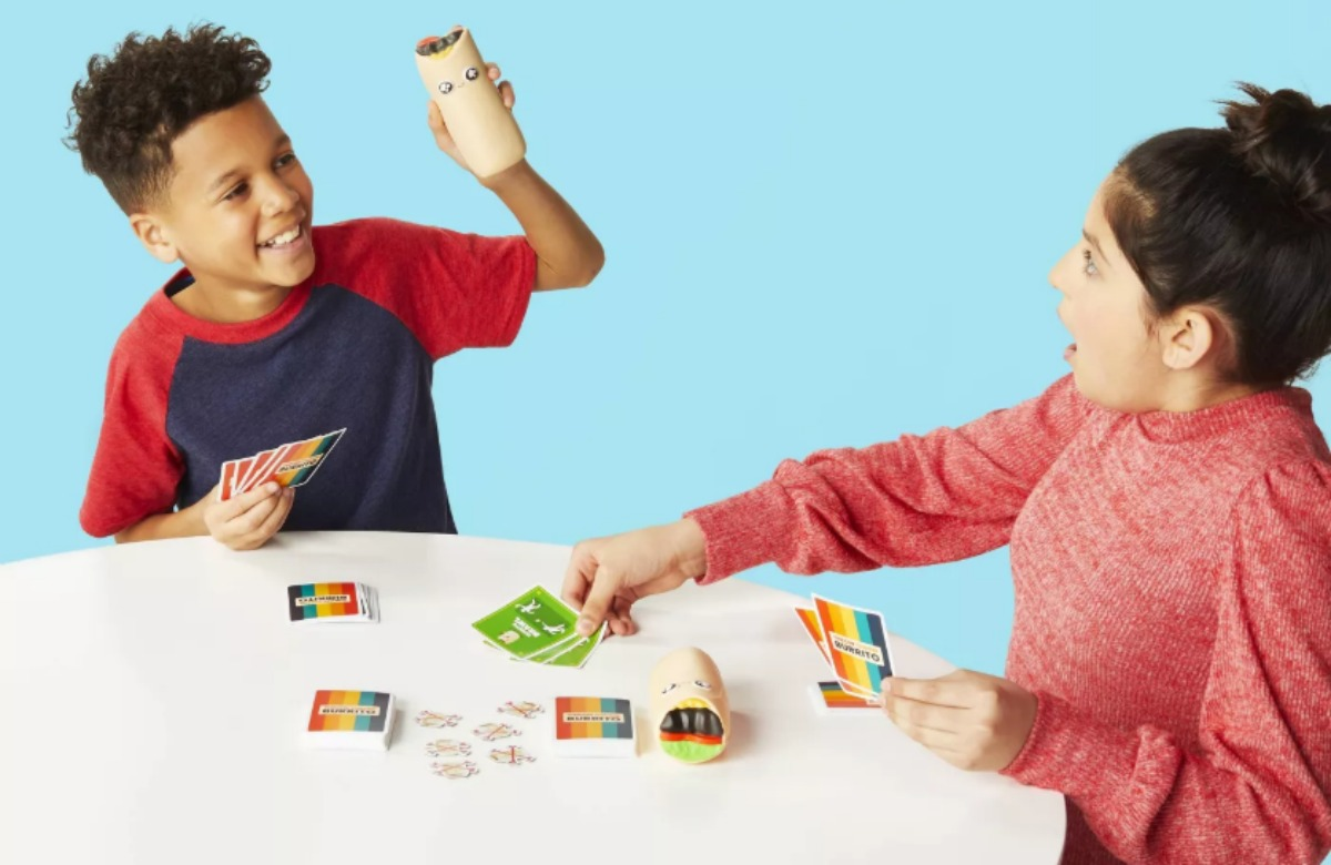 kids playing Throw Throw Burrito card game