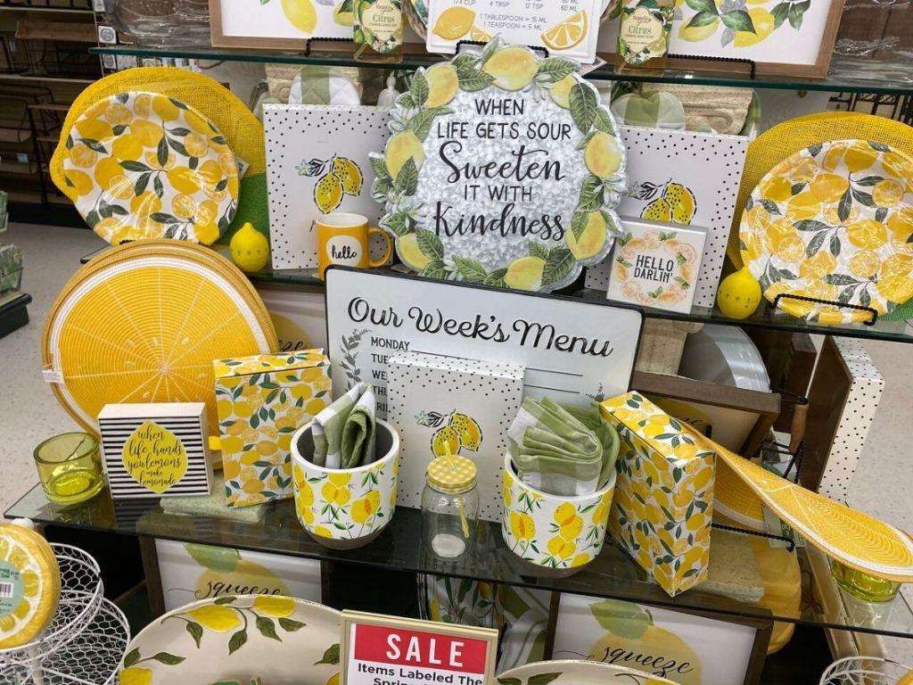 store display with lemon decor