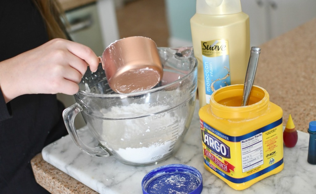 cornstarch and conditioner in mixing bowl