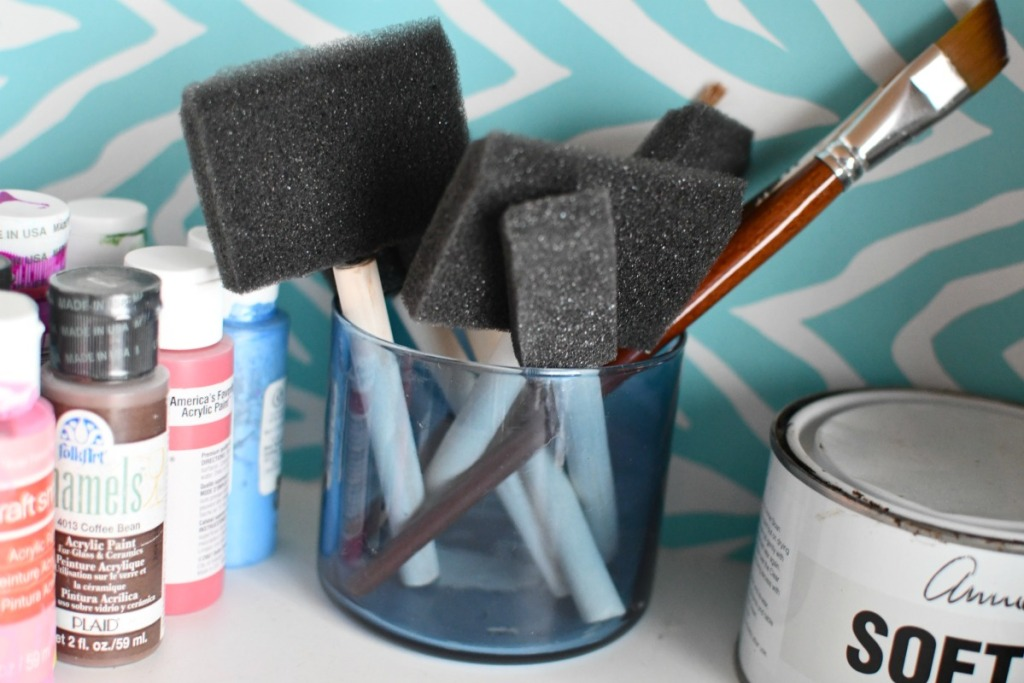 storing paint brushes in a bath and bodyworks candle jar