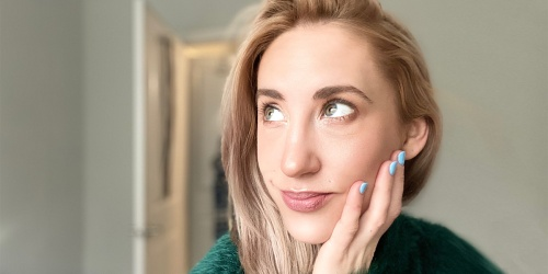 How to De-Puff Undereye Circles with an At-Home Lymphatic Drainage Massage