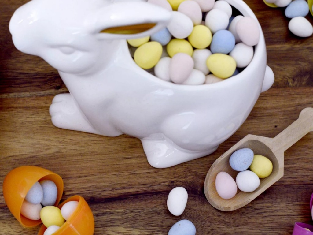 Cadbury Mini Eggs in Easter decor