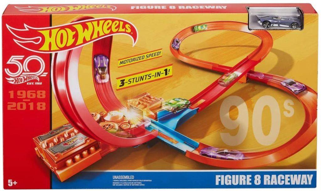 Hot Wheels Throwback Figure 8 Raceway box
