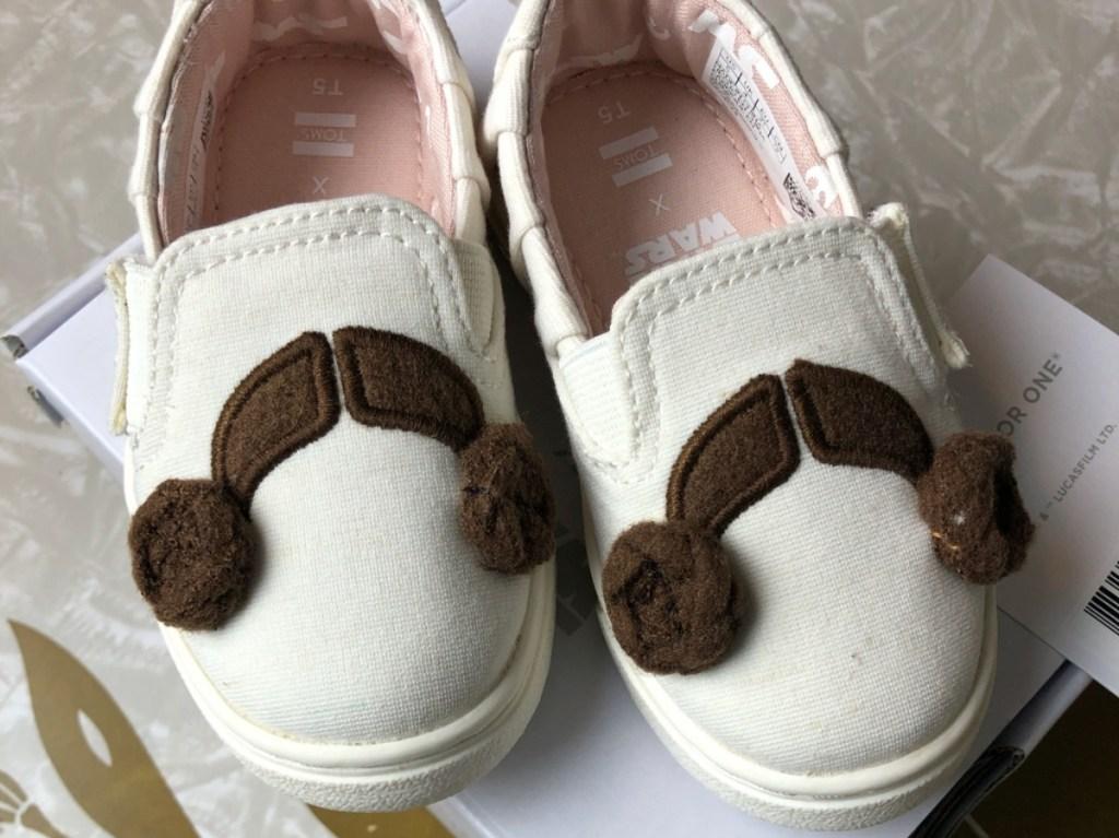 kid's Princess Leia white slip on shoes