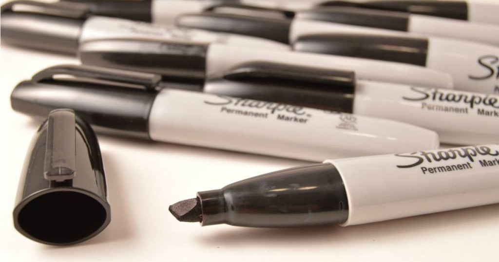 Sharpie Chisel Markers with lid off