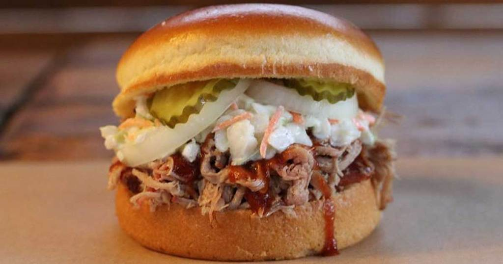 dickey's barbeque pulled pork classic sandwich