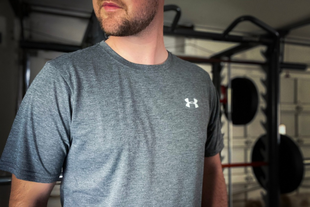 under armous tech tee 2.0 on model in gym