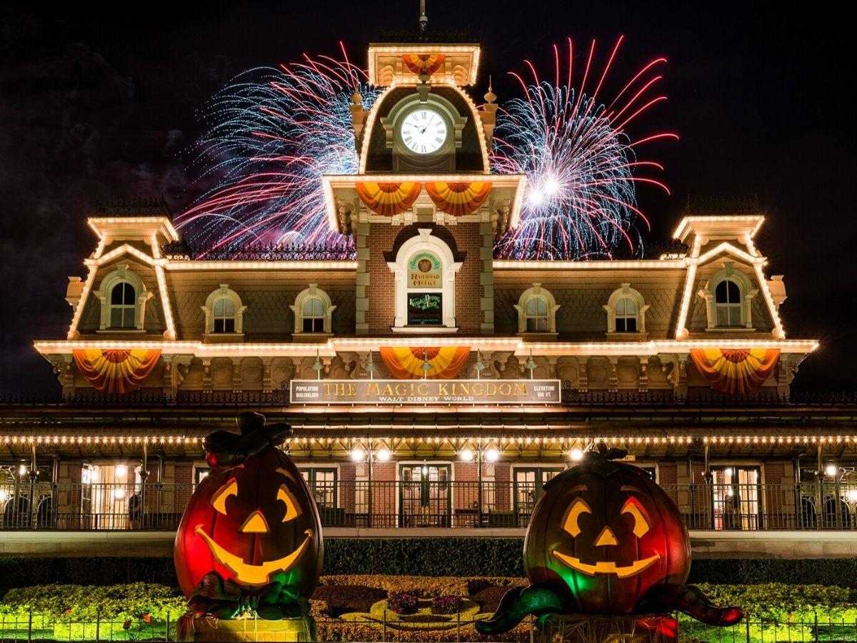 fireworks at the Magic Kingdom Disney World Orlando
