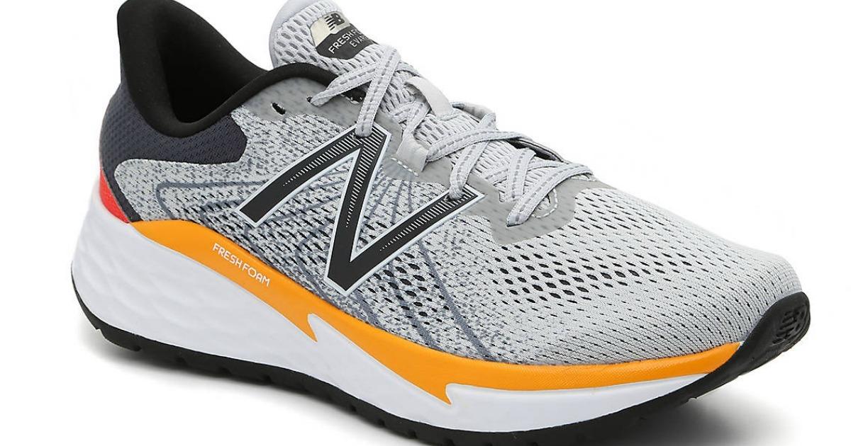 Men's New Balanace shoe in gray