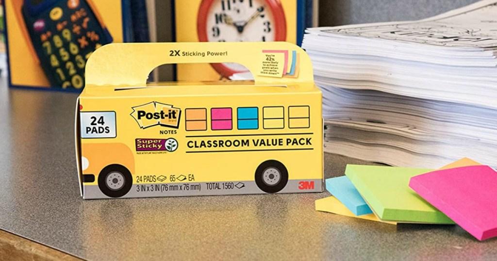 Post-It Sticky Notes Bus on desk