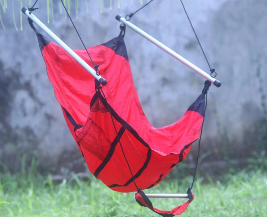 red hammock swing