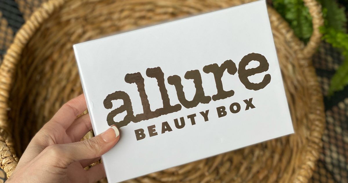 hand holding beauty box