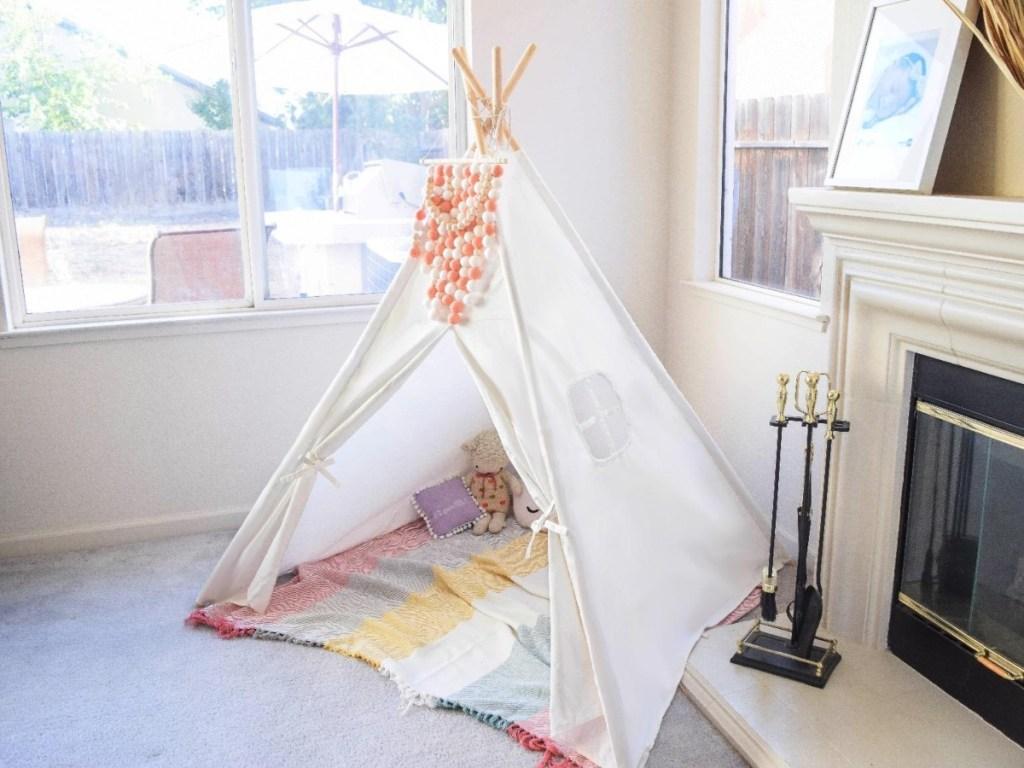 White canvas tent