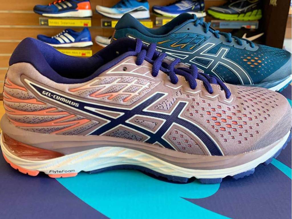 asics women's running shoes in store