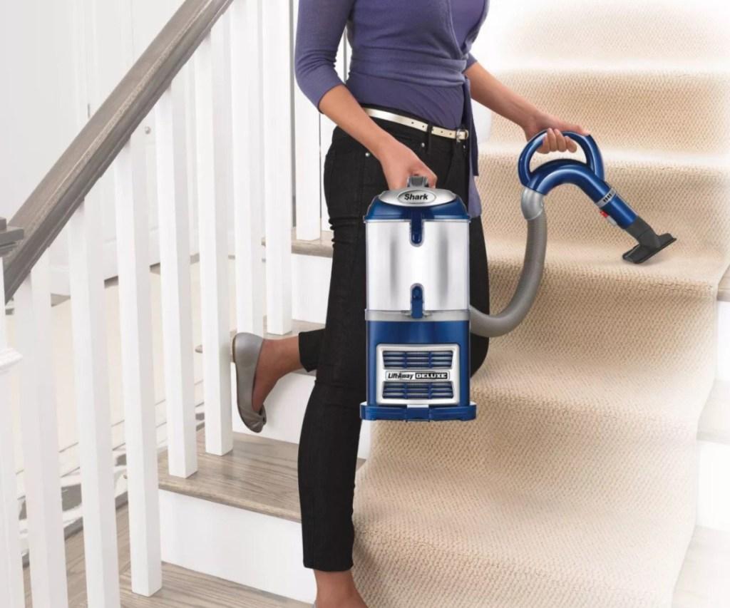 shark vacuum detachable on stairs