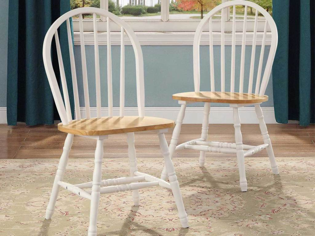 set of 2 dining chairs in white