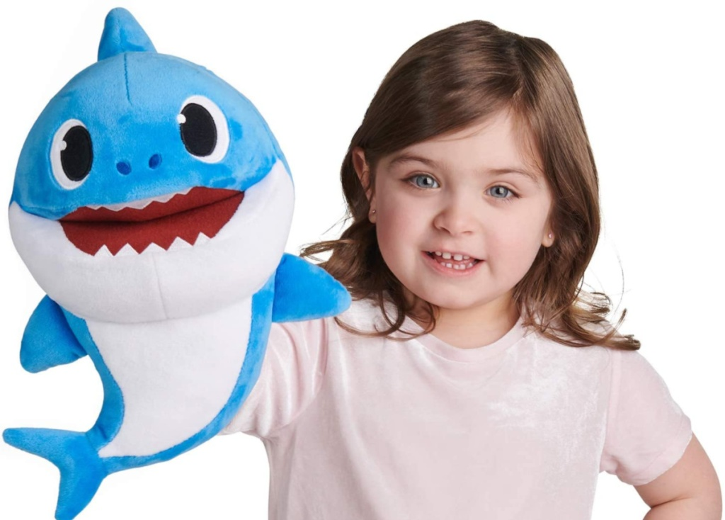 baby shark tempo control puppet with little girl