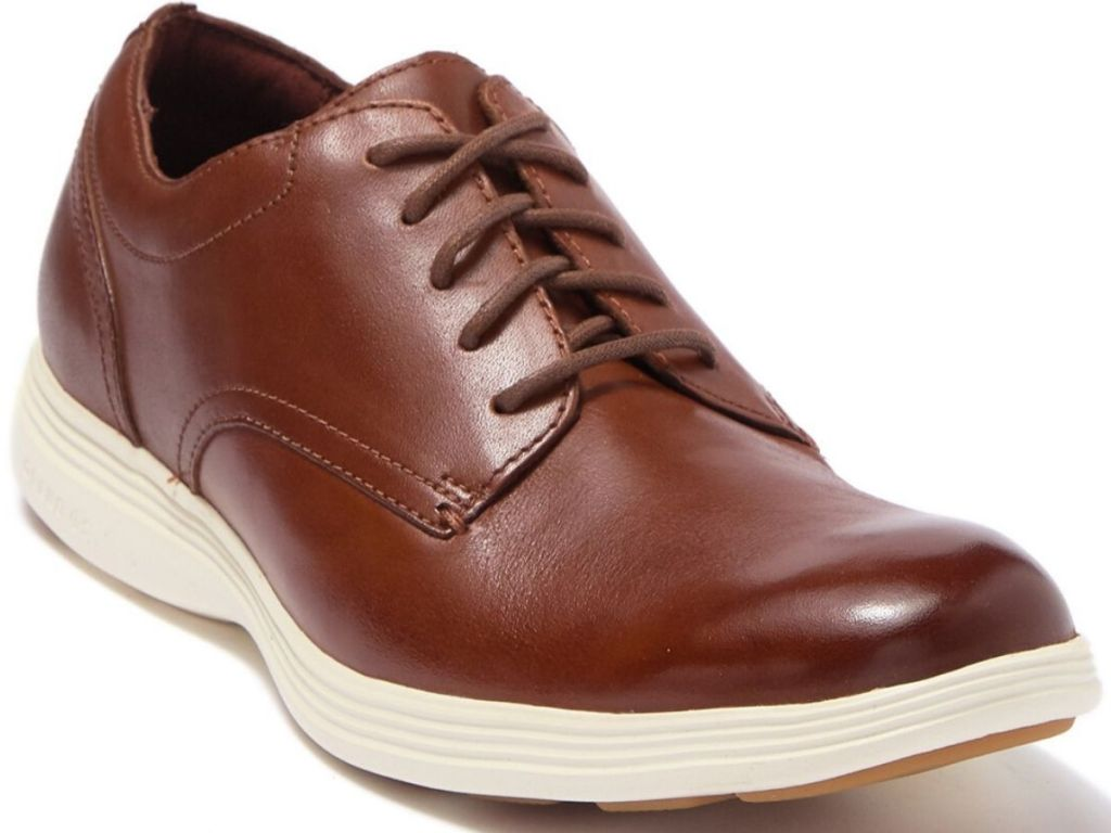 one right foot leathers men's shoe