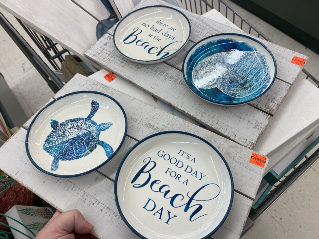 two beach plate sets in store