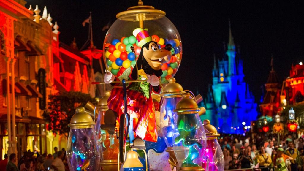 goofy on float riding in Disney Mickey's Not So Scary Parade