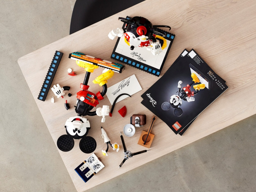 LEGO Minnie & Mickey pieces and instructions on table