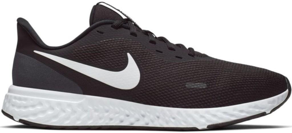 nike men's revolution black and white running shoe