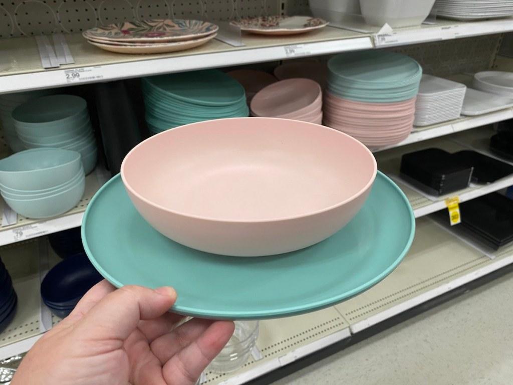 Room Essentials Plastic Dishes