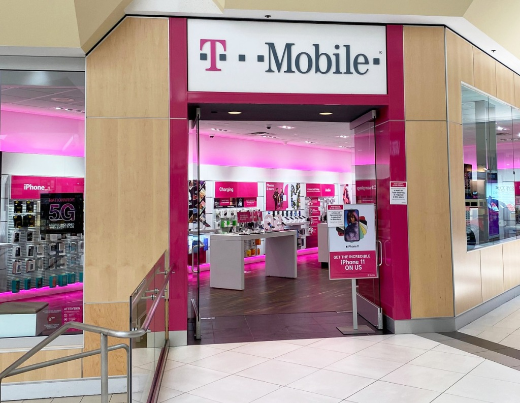t-mobile store inside of a mall