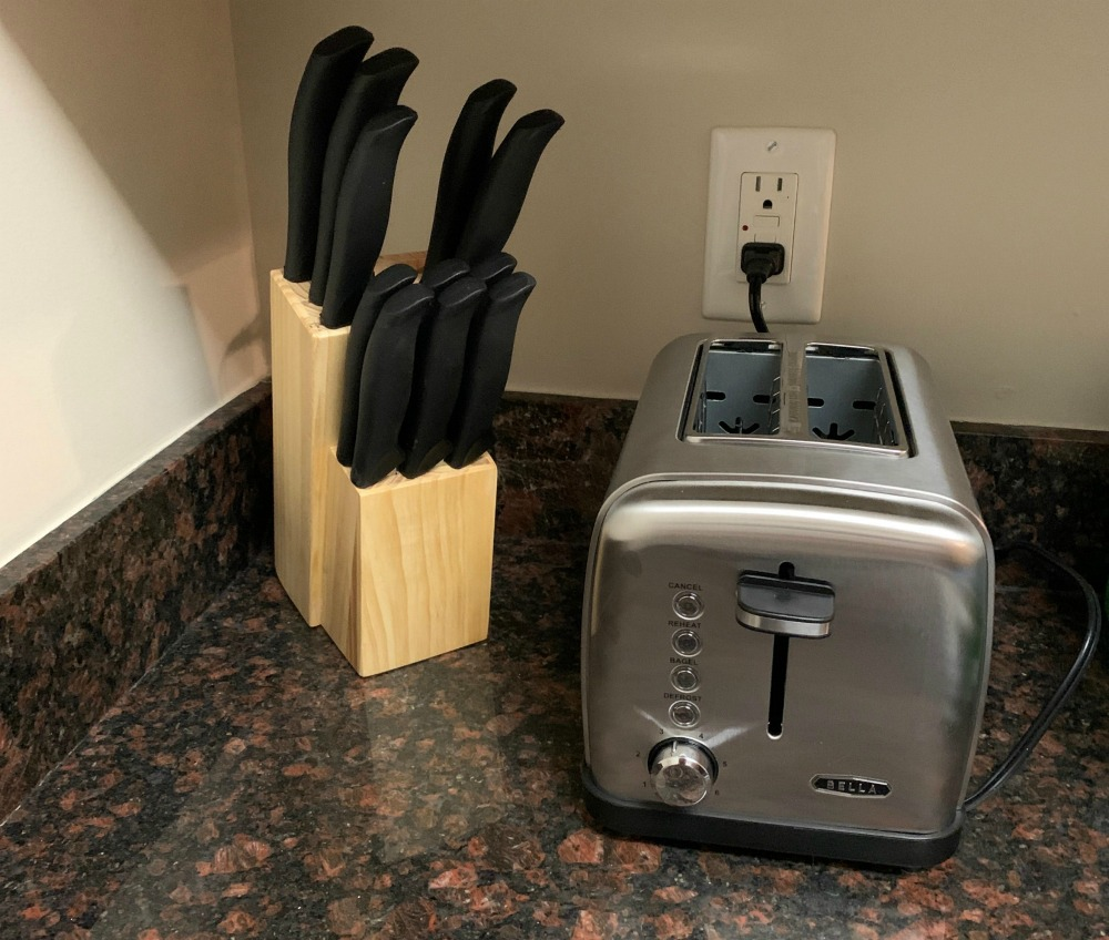 bella Toaster on granite counter