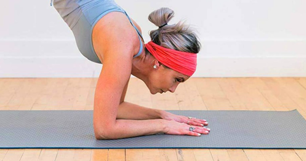 woman wearing cotton headband while working out