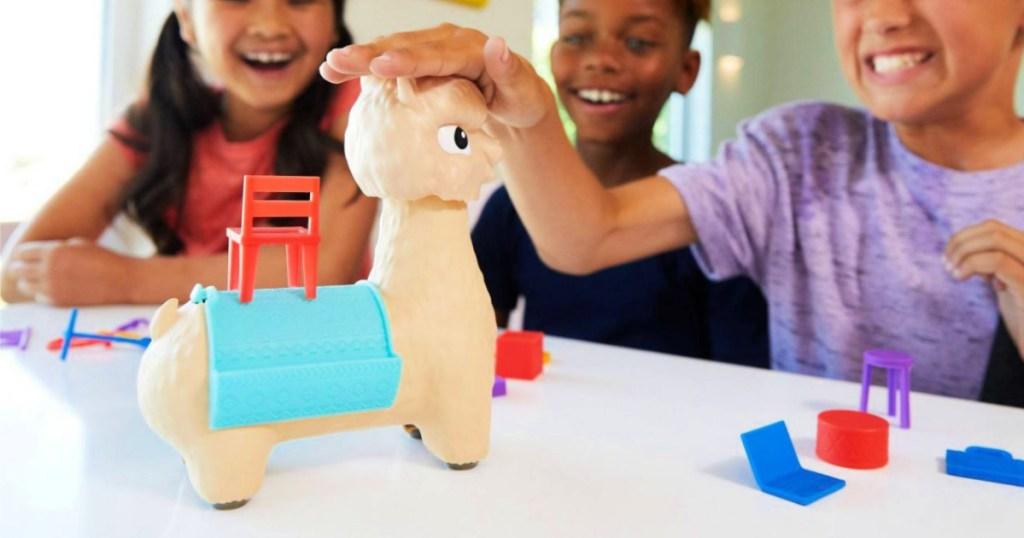 kids playing Hackin Packin Alpaca Game
