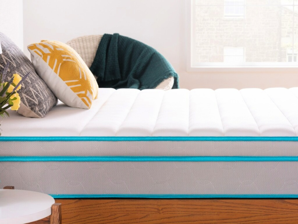 linenspa mattress in bedroom with pillows