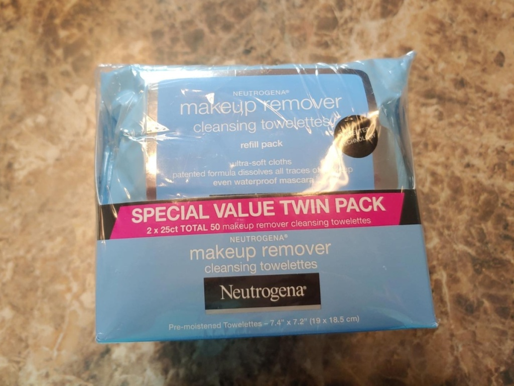 twin pack of Neutrogena makeup wipes