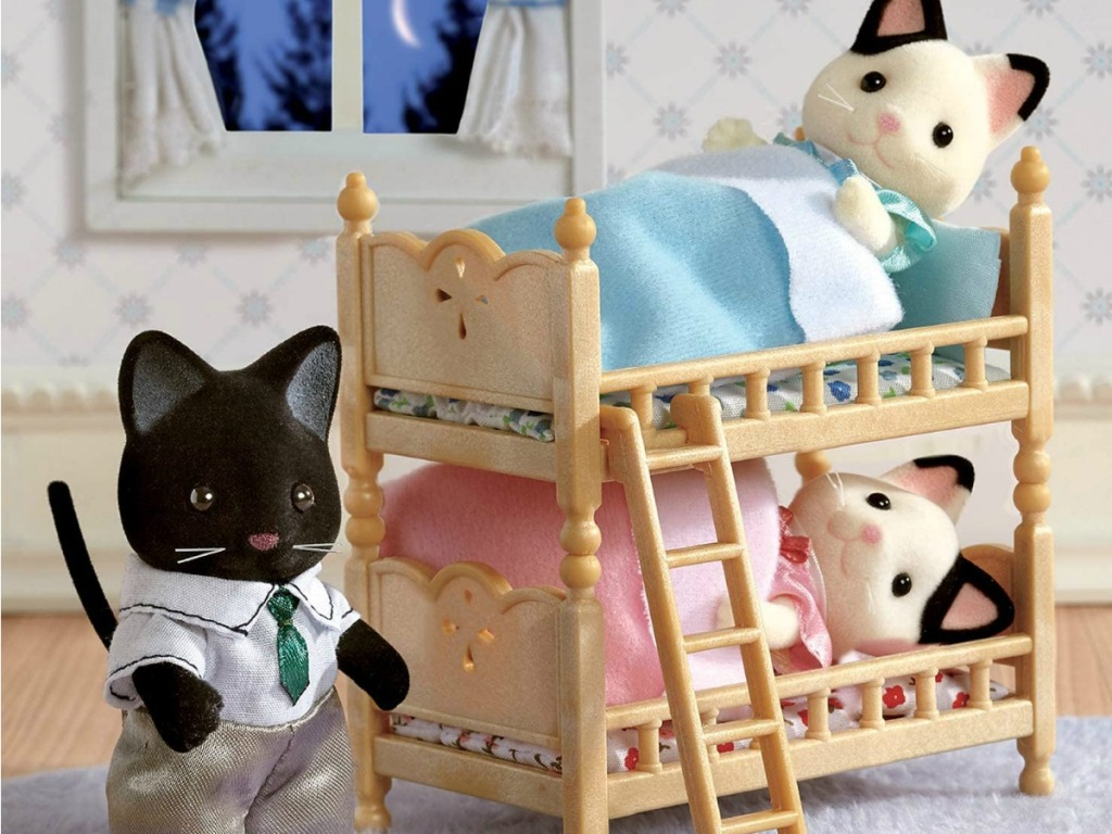 little play cat family on small play bunkbeds
