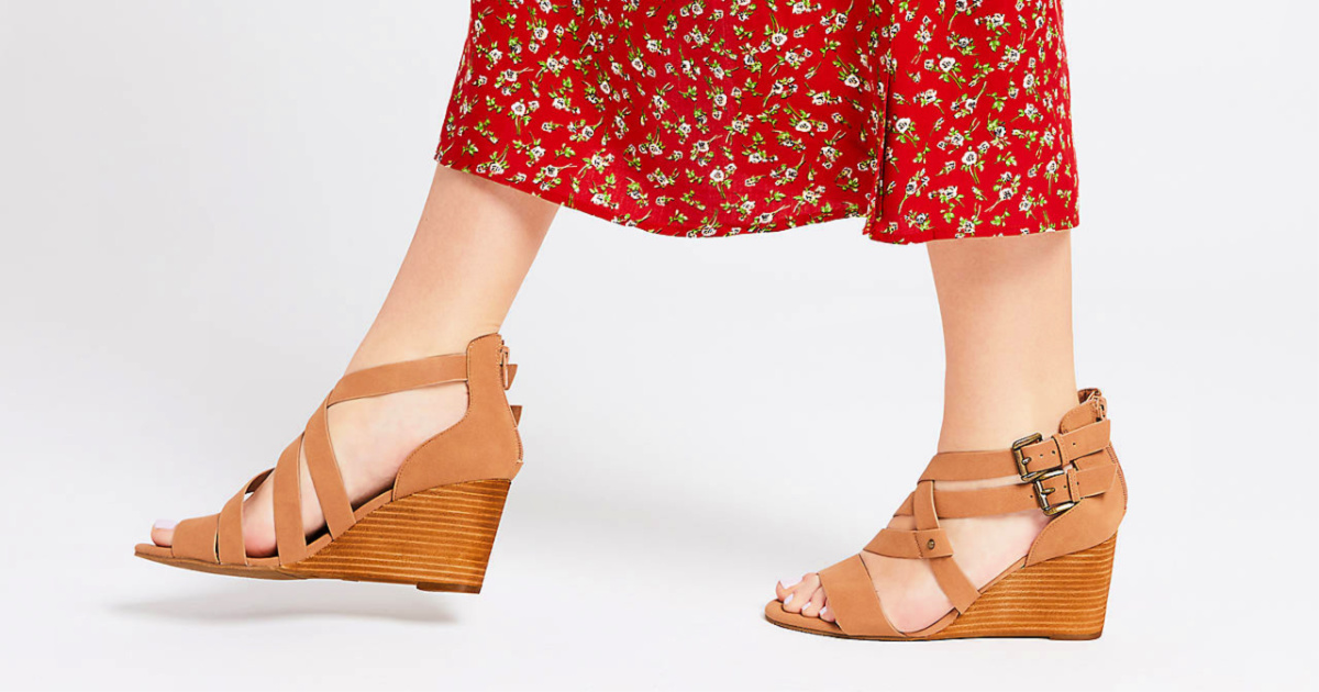 red strappy heels dsw