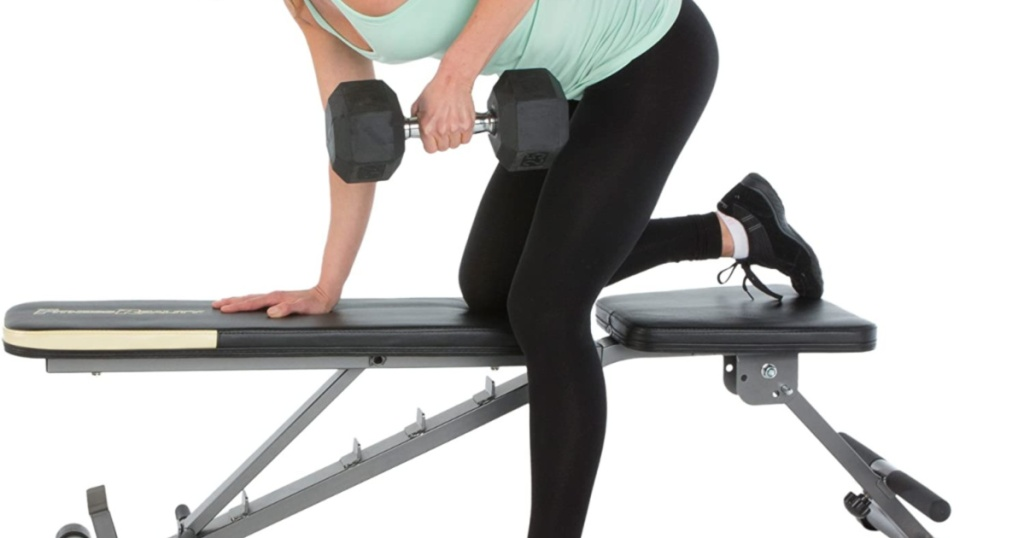 woman using the Fitness Reality 1000 'Super Max' Weight Bench