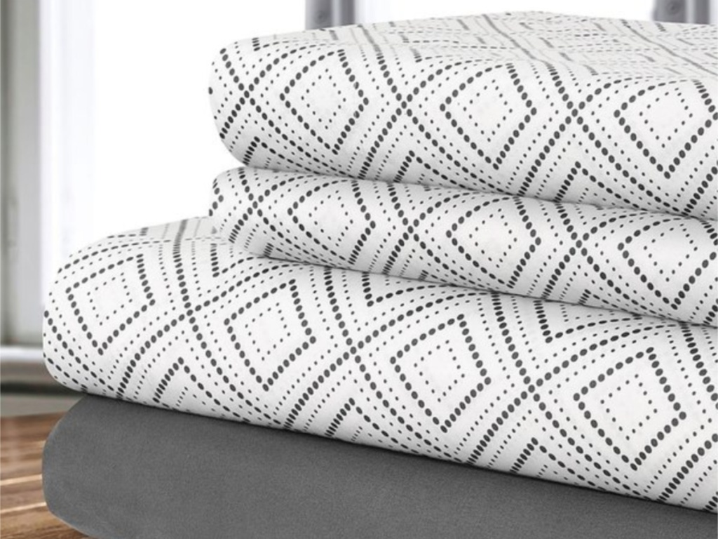 safdie and co diamond sheet set stacked