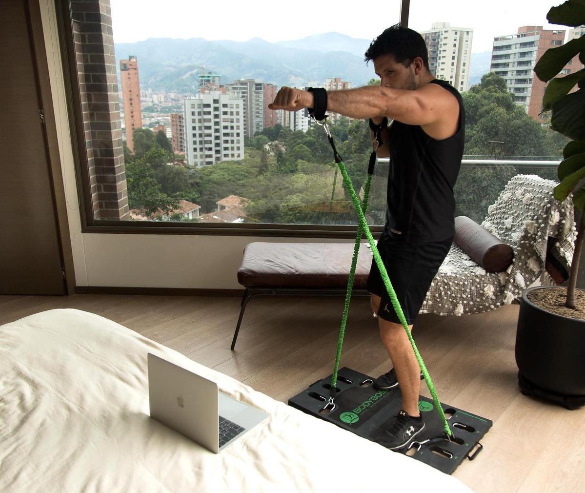 man doing Body Boss Gym Cardio
