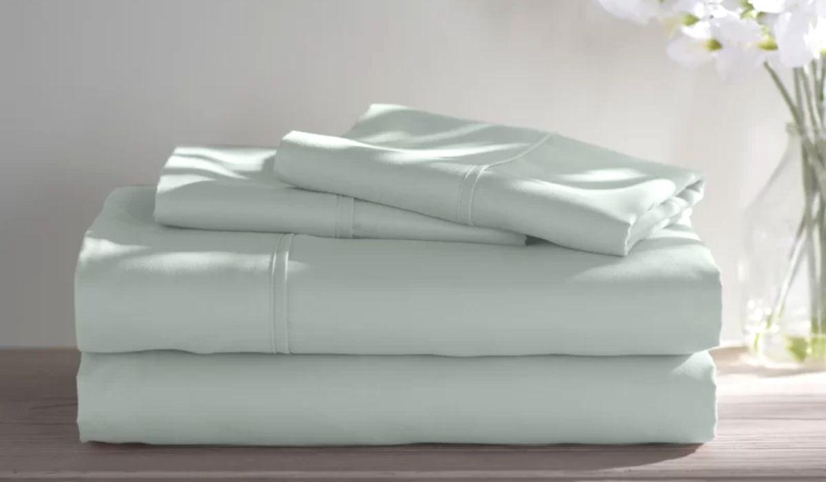 A folded sheet set